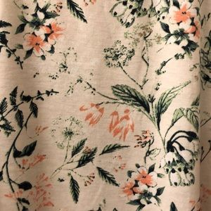 💈Lovely Floral Perfect T💈